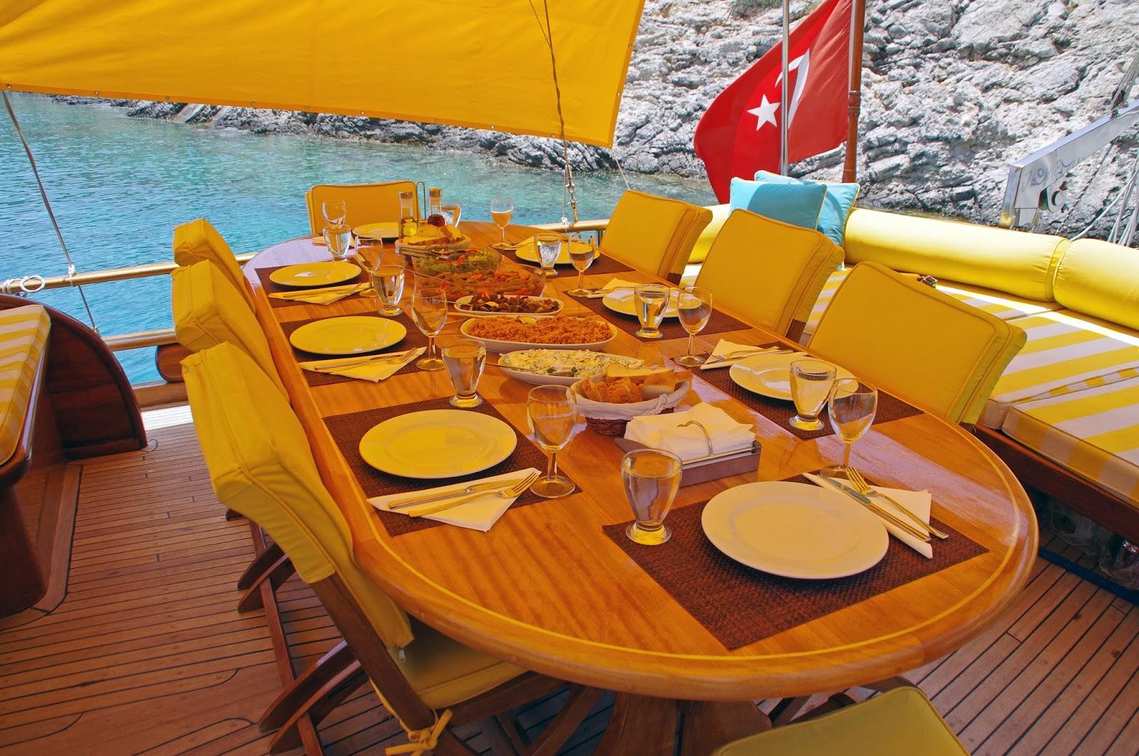 Dining Table Turkey Luxury Gulet
