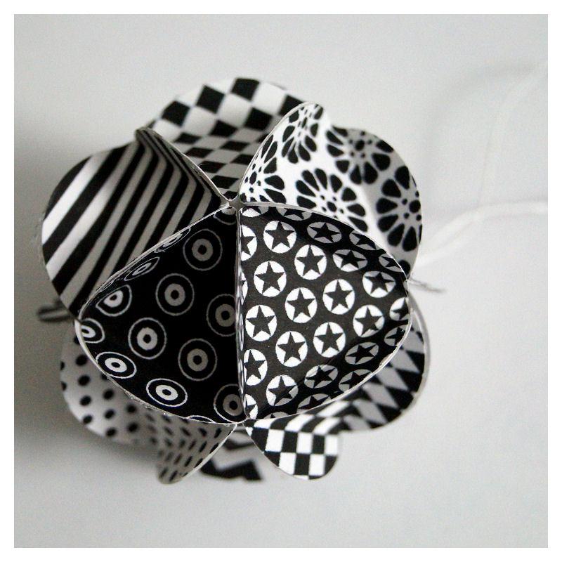 digital scrap boule etoile de no l en papier. Black Bedroom Furniture Sets. Home Design Ideas