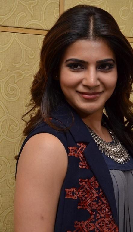 Desi chubby girl with short skirt photo like