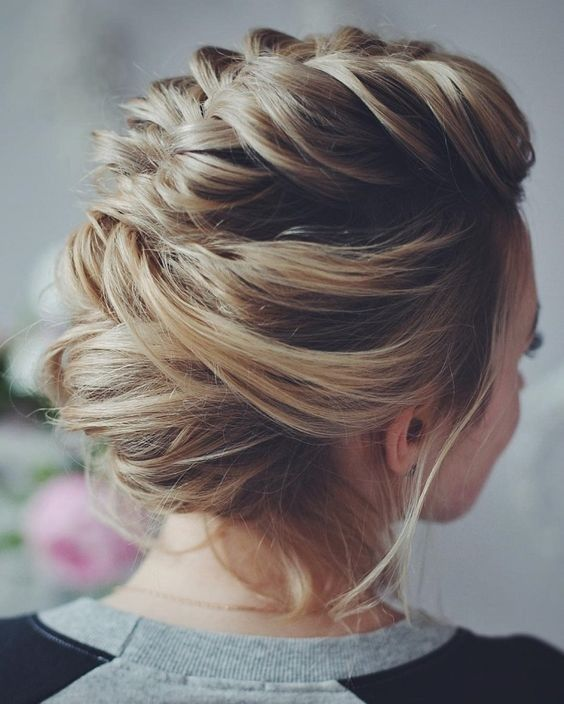 pretty elegant hairstyle idea