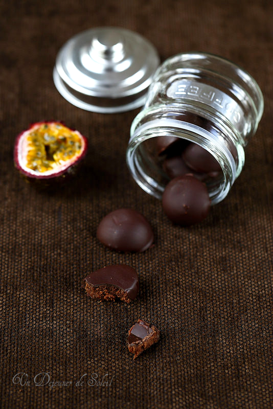 Chocolats maison et truffes pour Pâques : quatorze recettes. Chocolat ganache passion.