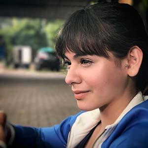 Sahila Hisyam Foto Dari Samping