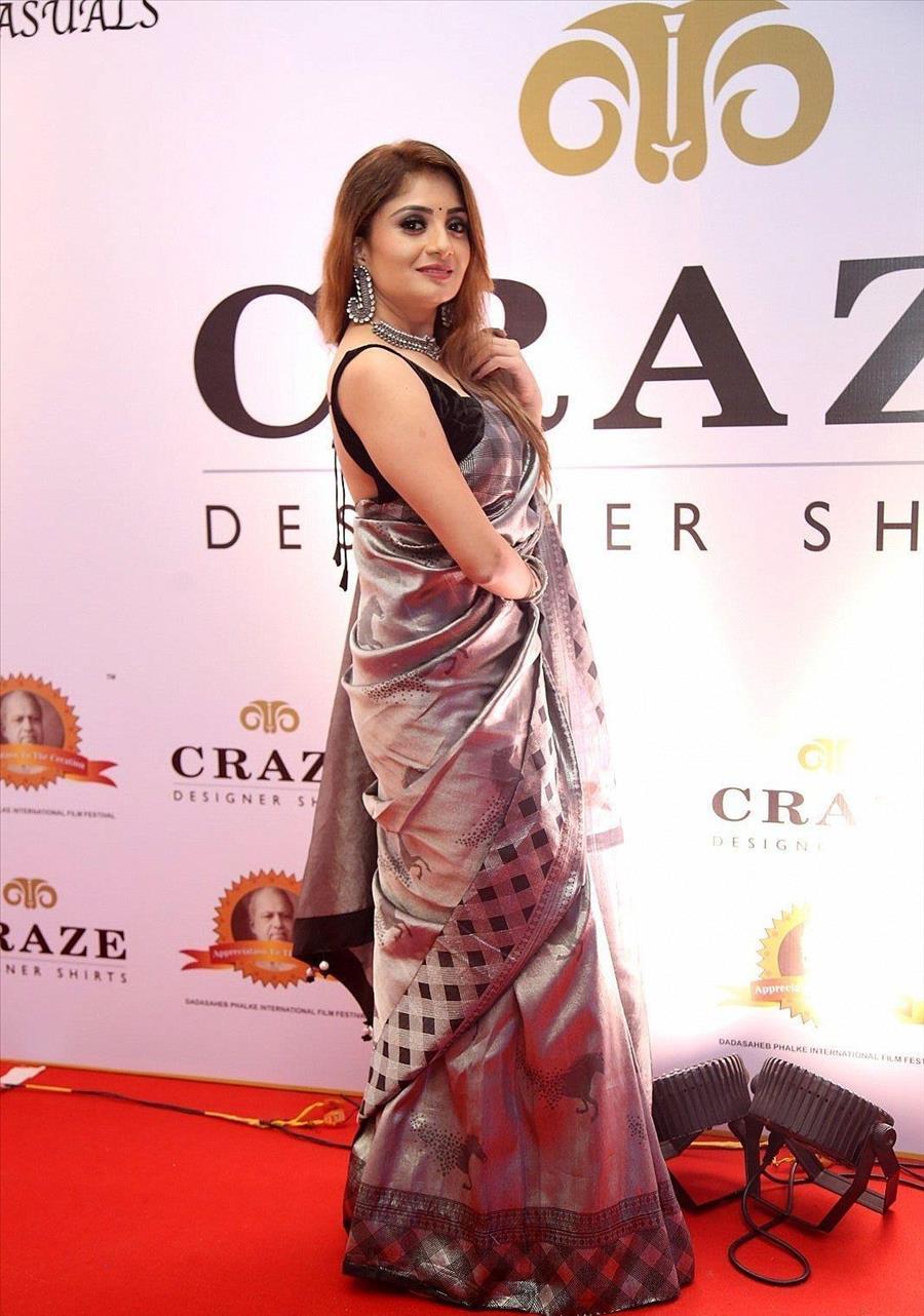 Indian Model Karunya Ram at Dada Saheb Phalke Awards South