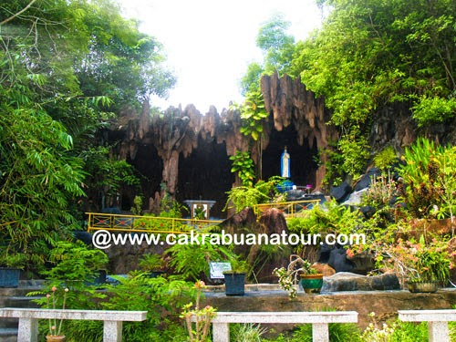 Objek wisata Rohani religi gua maria di pulau Bangka tour