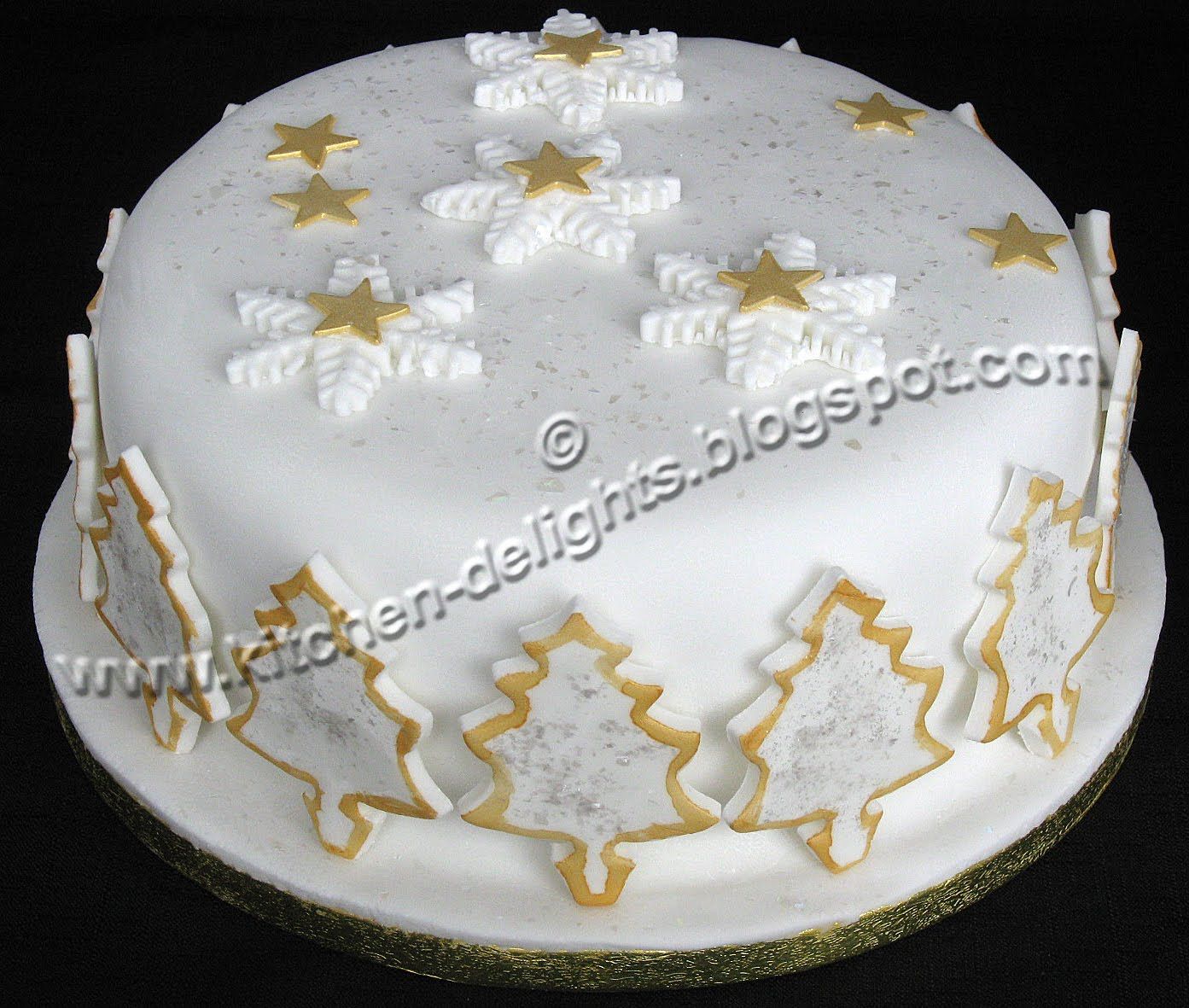 Row Home Decorating Ideas Kitchen Delights Iced Snowflake Christmas Cake