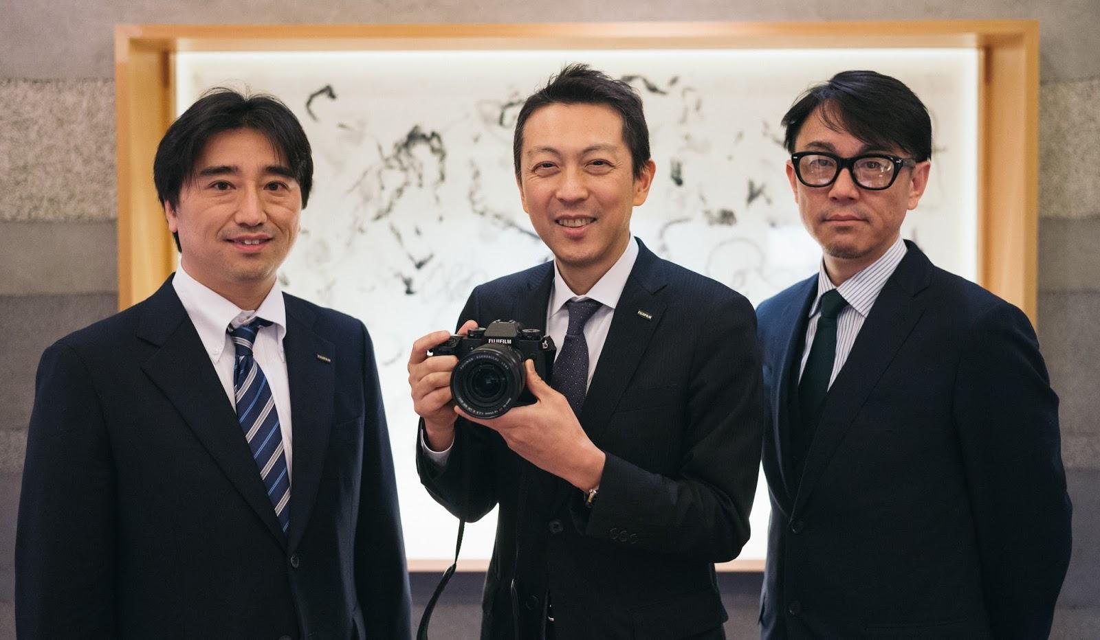 Менеджеры Fujifilm: Тошихиса Исила, Макото Оиши и Шин Удоно