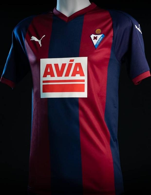 00158c23da Puma apresenta as novas camisas do Eibar. A Puma apresentou os novos  uniformes que a Sociedad Deportiva Eibar usará na temporada 2018 19 do  Campeonato ...