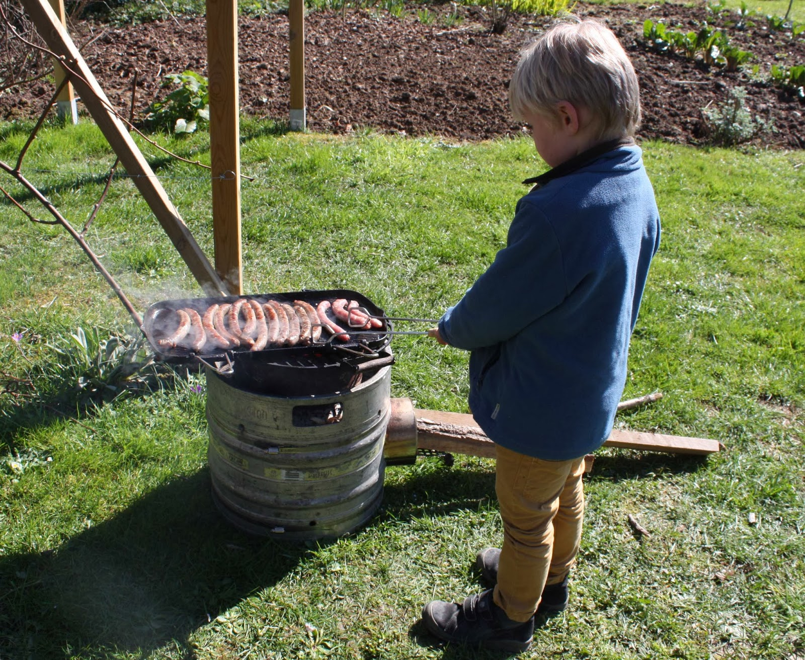 Living In The Lot Making A Rocket Stove From A Beer Keg