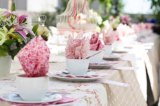 Jade jasmine the perfect bridal shower part 2 for for Kitchen tea table setting ideas