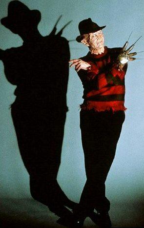 Foto de Freddy Krueger con su sombra