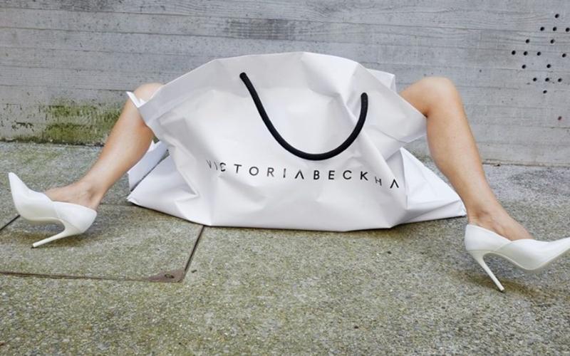 Victoria Beckham'dan Nostaljik Kampanya