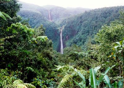 Chute du Carbet en région Basse Terre - Guadeloupe