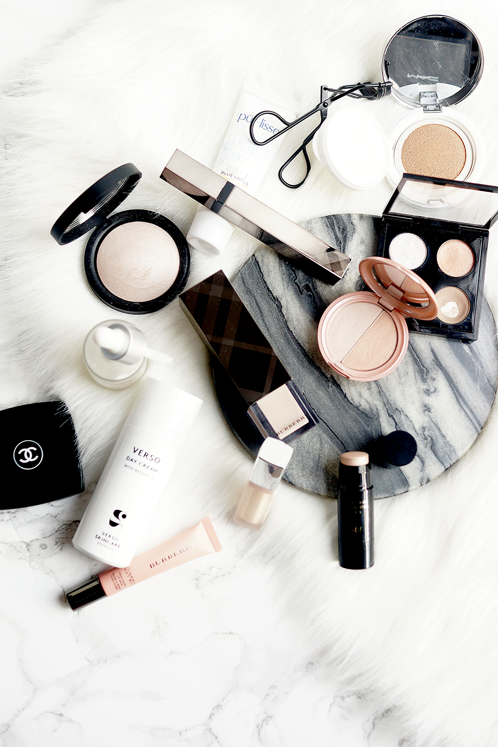 beauty-style-lifestyle-flatlay-5-minute-makeup-routine