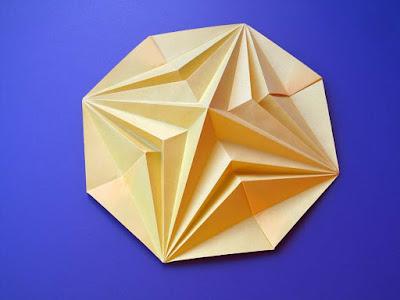 Origami, Stella in ottagono 2, variante a - Octagonal Star 2, variant b, by Francesco Guarnieri