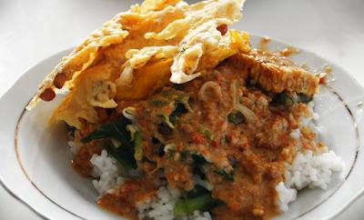 Resep dan cara membuat nasi pecel khas daerah Madiun