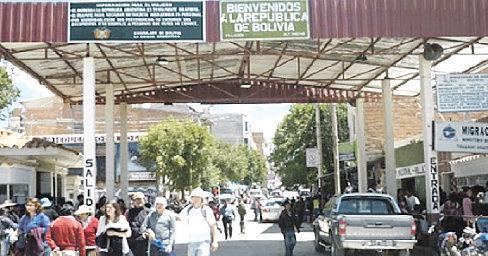 Camioneros protestan y cierran los ingresos a Villazón