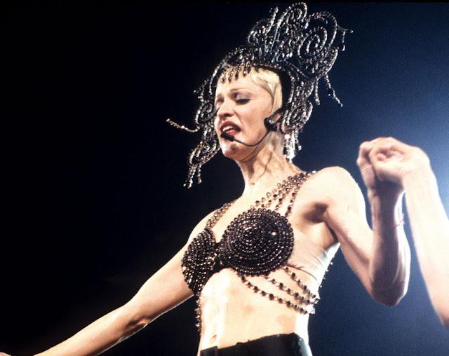 Madonna em 2012, Show com o biquini de cone recriado por Jean Paul Galtier