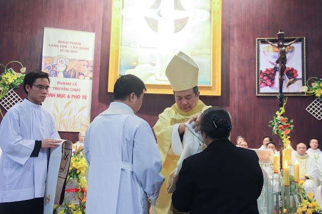 Lễ truyền chức Phó tế và Linh mục tại Giáo phận Lạng Sơn Cao Bằng 27.12.2017 - Ảnh minh hoạ 156