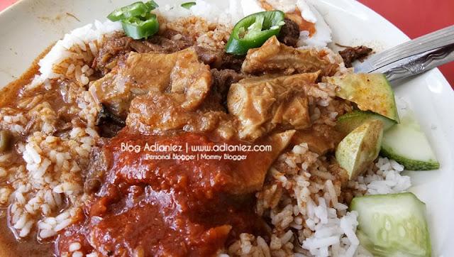 Pasar Besar Melaka : Wajib Cuba Makan Nasi Gunting