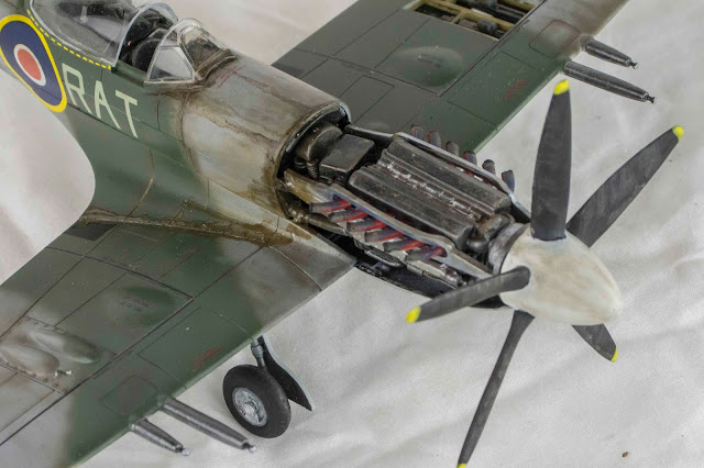 1/32 scale Spitfire model