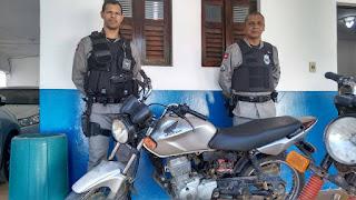 Moto furtada em Cuité é localizada por policiais militares na zona rural de Nova Floresta