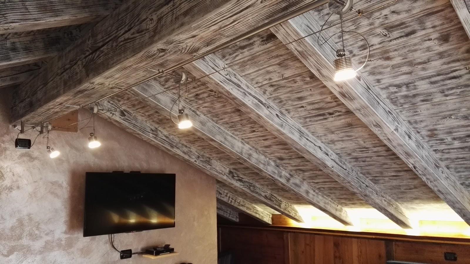 Illuminazione soggiorno travi a vista illuminazione led casa