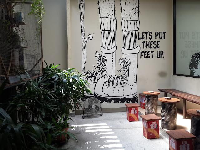 smooking-room, hostel, the-packer-lodge, jakarta, kota