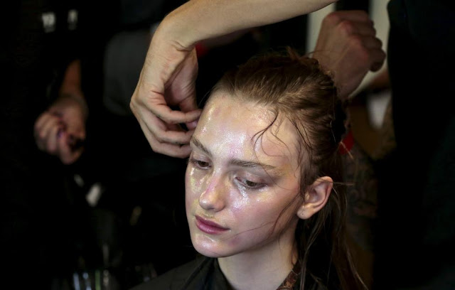 London Fashion Week - Burberry Prorsum Spring/Summer 2016 Collection