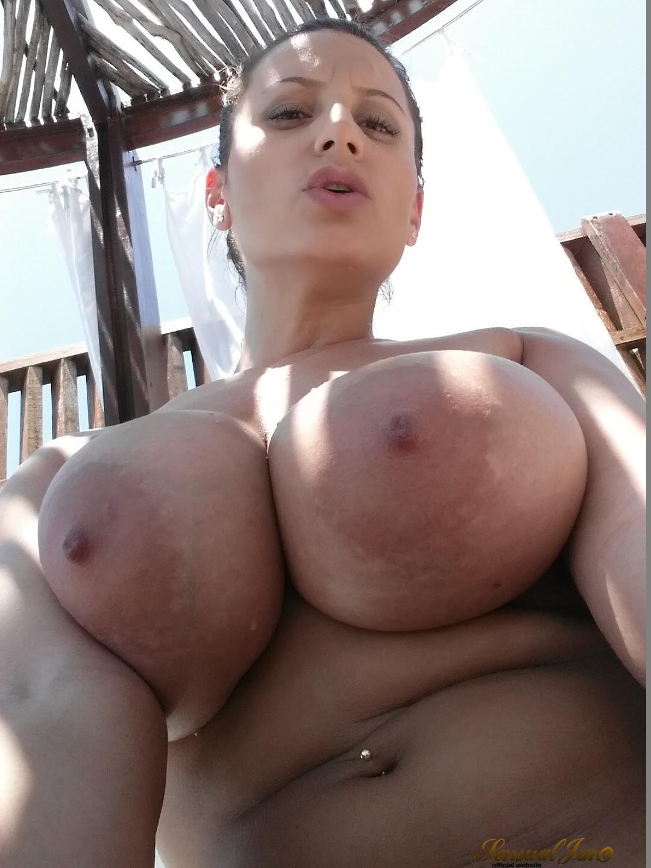 Porn of muscular man