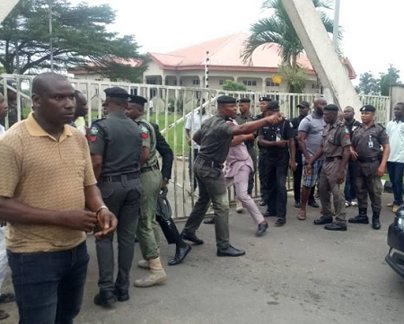 Thugs Invade Akwa-Ibom Assembly Complex