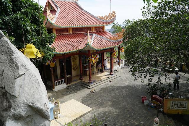 Một ngôi chùa nằm trong quần thể di tích