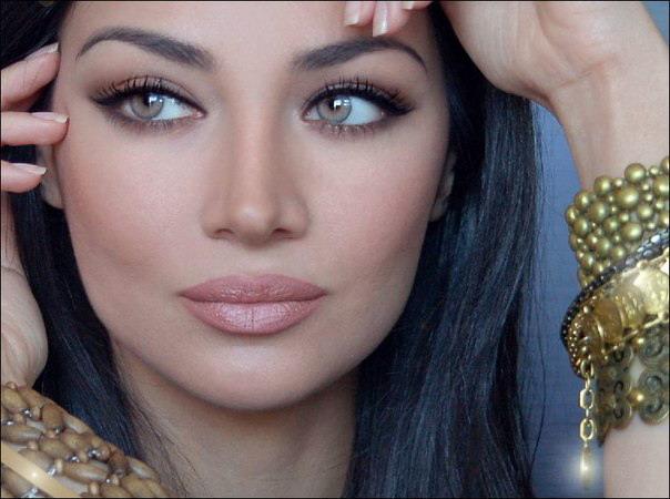 Самые красивые люди мира: Красивая женщина радует мужской ...  Самые кр...