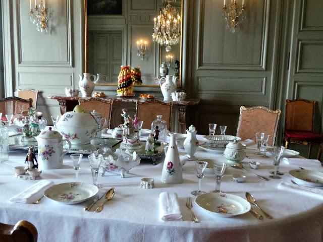 Service de table imperial Kouskovo château champs sur marne le cmn monument historique exposition
