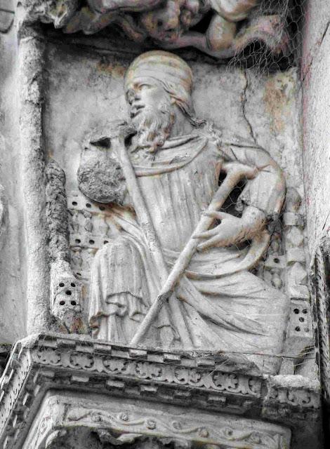 Bas-relief of a man biting his fingernails, Basilica San Marco, Venice