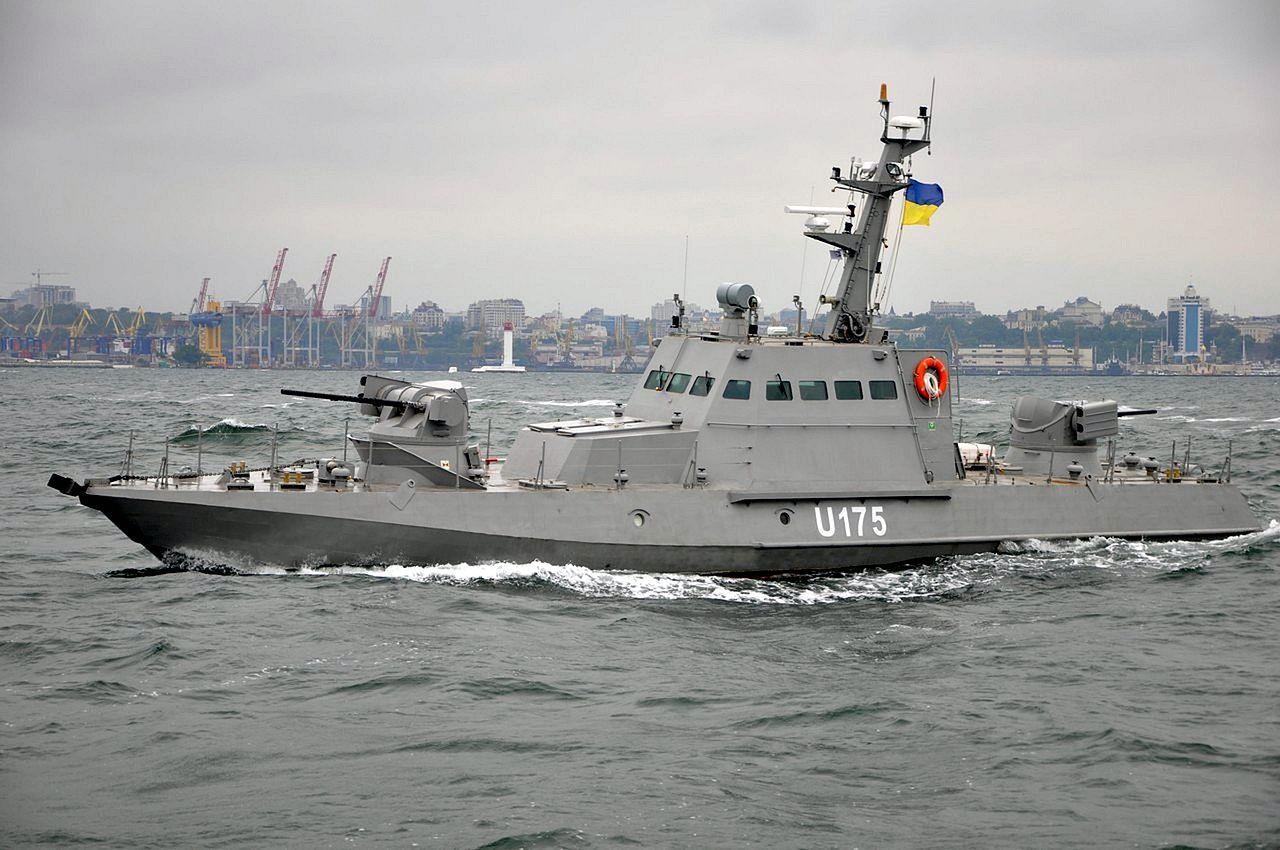 Не думая о последствиях: украинский катер уклонился от захвата российским кораблем — СМИ