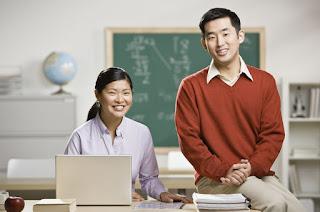11 Tipe Guru di Kelas yang Sering Kalian Jumpai