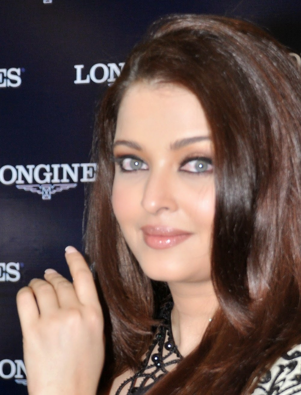 High Quality Bollywood Celebrity Pictures Aishwarya Rai -5997