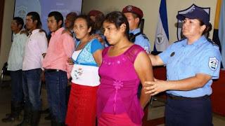 detidos em nicaragua por exorcizar mulher em fogueira