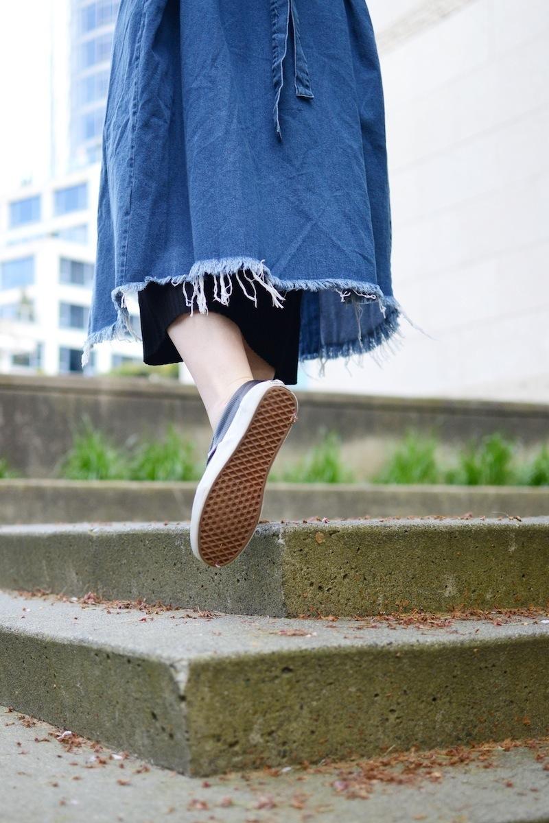 BooHoo Longline denim duster jacket torn hem spring style Vancouver fashion blogger