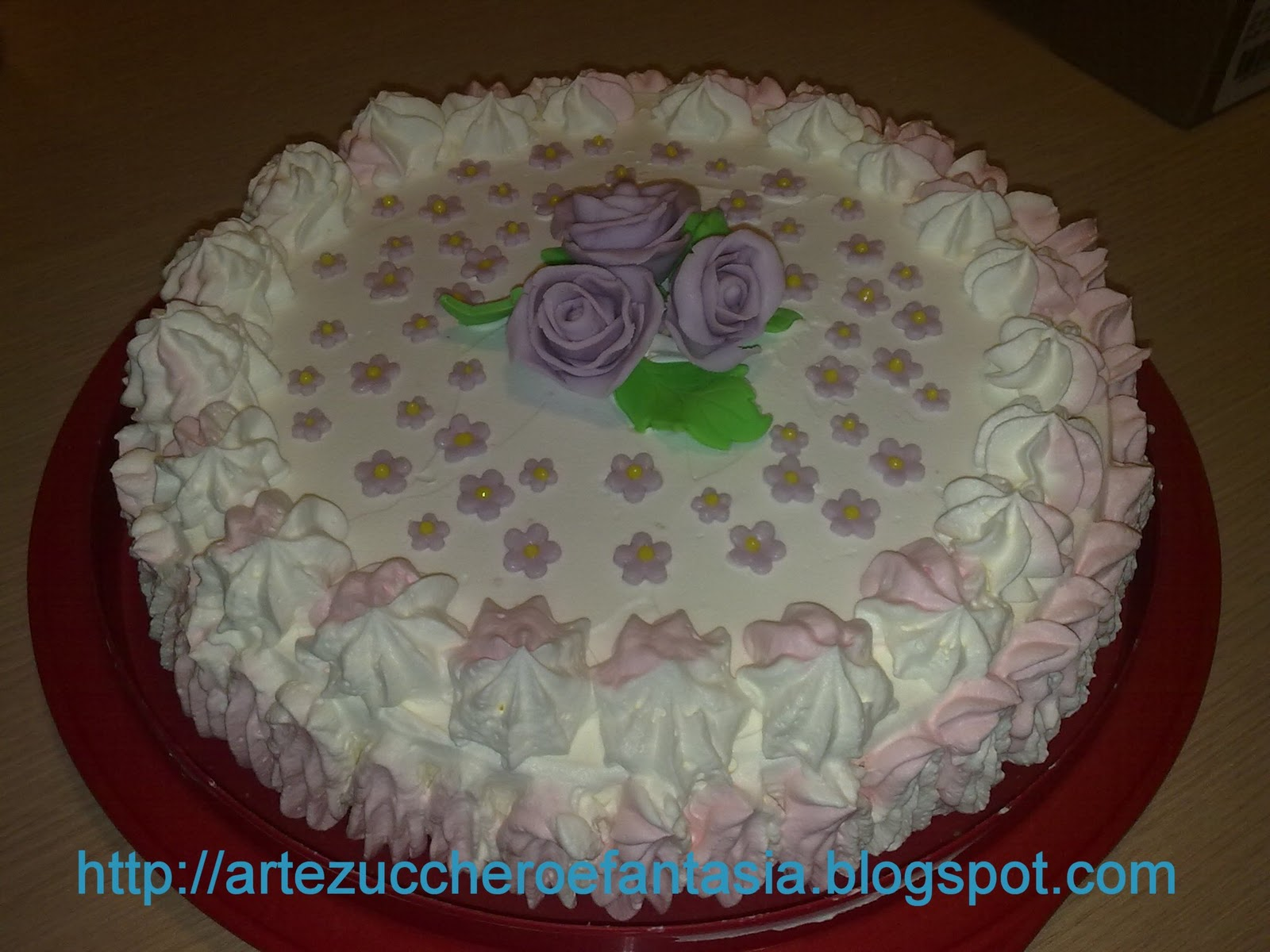 Torte decorate con panna colorata - Foto per decorare torte ...