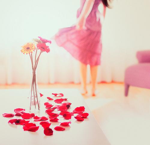 Resultado de imagem para mulheres e flores