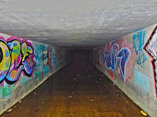 "<img src=""Tunnel 4"" alt="" derelictmanchester.blogspot.com/p/dowry-tunnel-nr-denhsaw.html"" />"