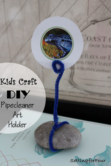 FUN AND EASY Kids Craft Activity: DIY Pipe Cleaner Art Display. Fun way to display stickers and kids art for their room. No photo frames required!