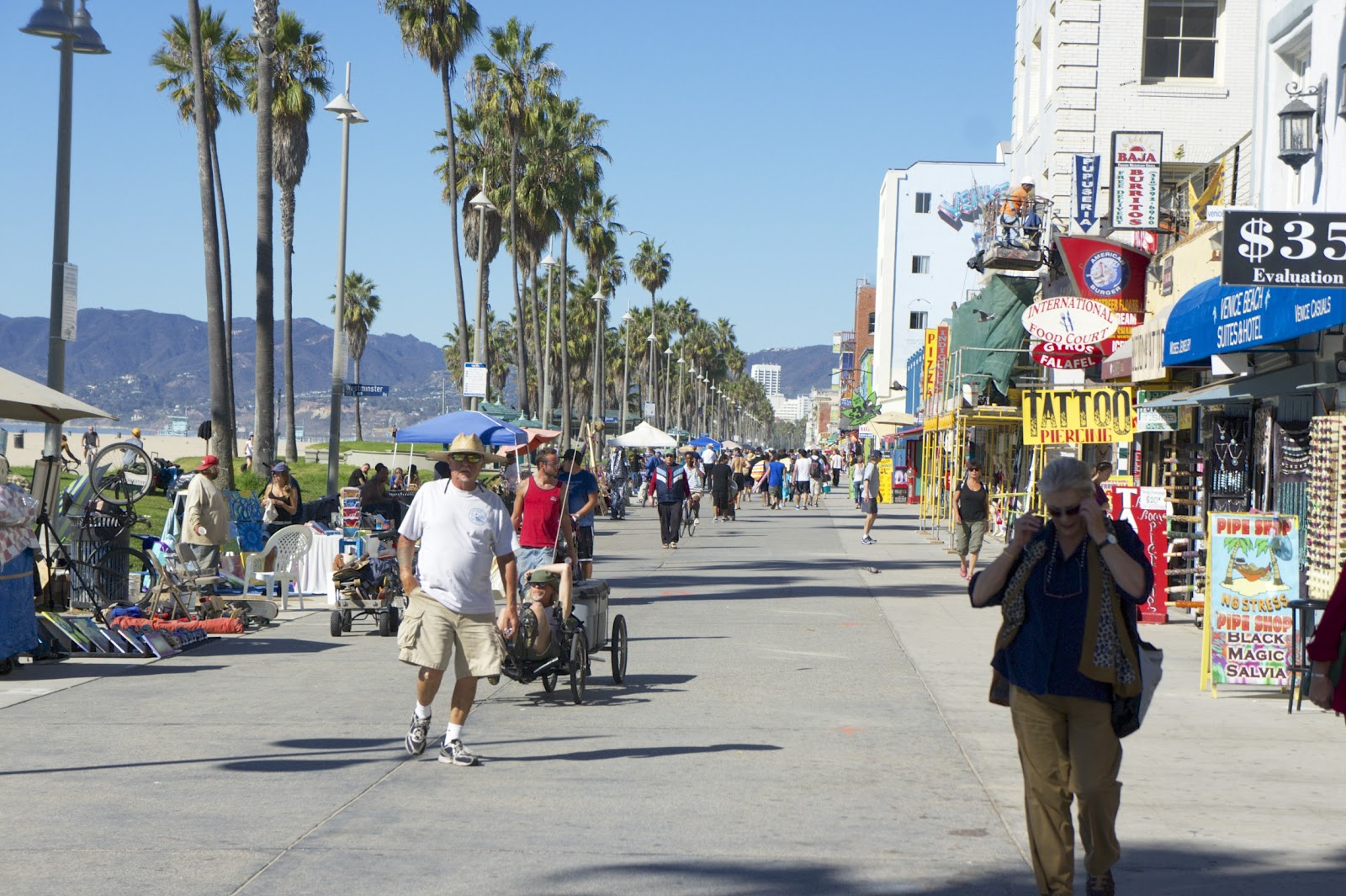 The Famous Venice Beach Ocean Front Was Exactly As Described In Travel Guides Colorful And A Bit On Hippie Side From Surf Fashion Board S