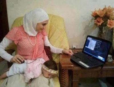 gambar unik ibu dan bayi