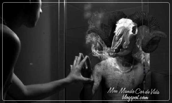 monstro no espelho
