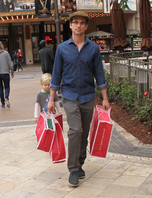 Matt Bomer Christmas Shopping Oh Yes I Am