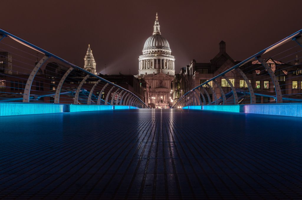 St Pauls from the bridge