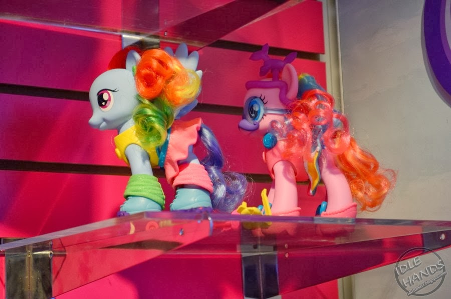 Rainbow Dash and Pinkie Pie fashion style brushables