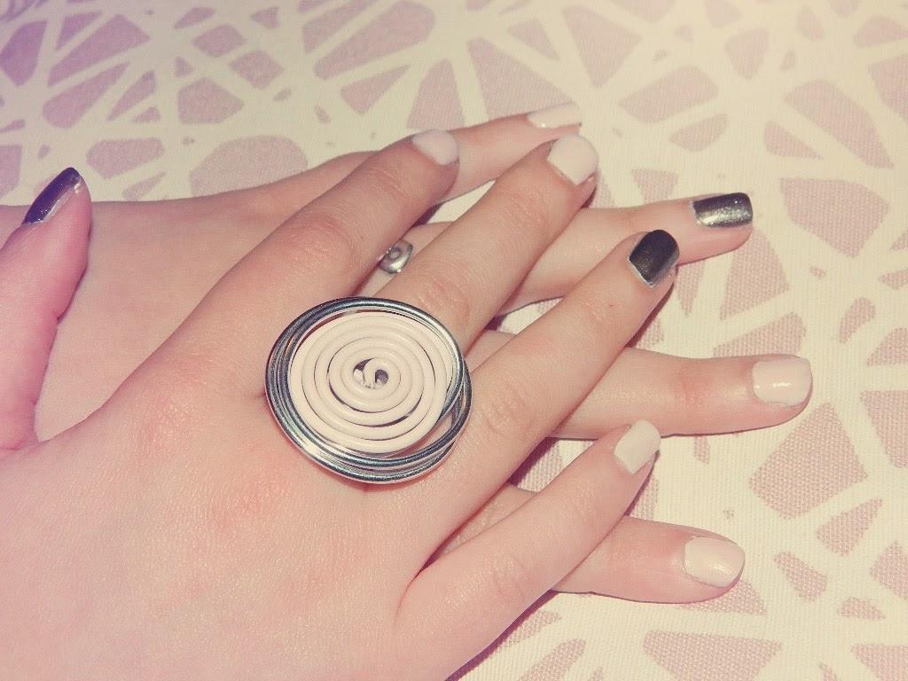 she is a girly girl manucure rose p le gris fonc m tallis. Black Bedroom Furniture Sets. Home Design Ideas